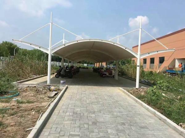 膜结构自动车篷